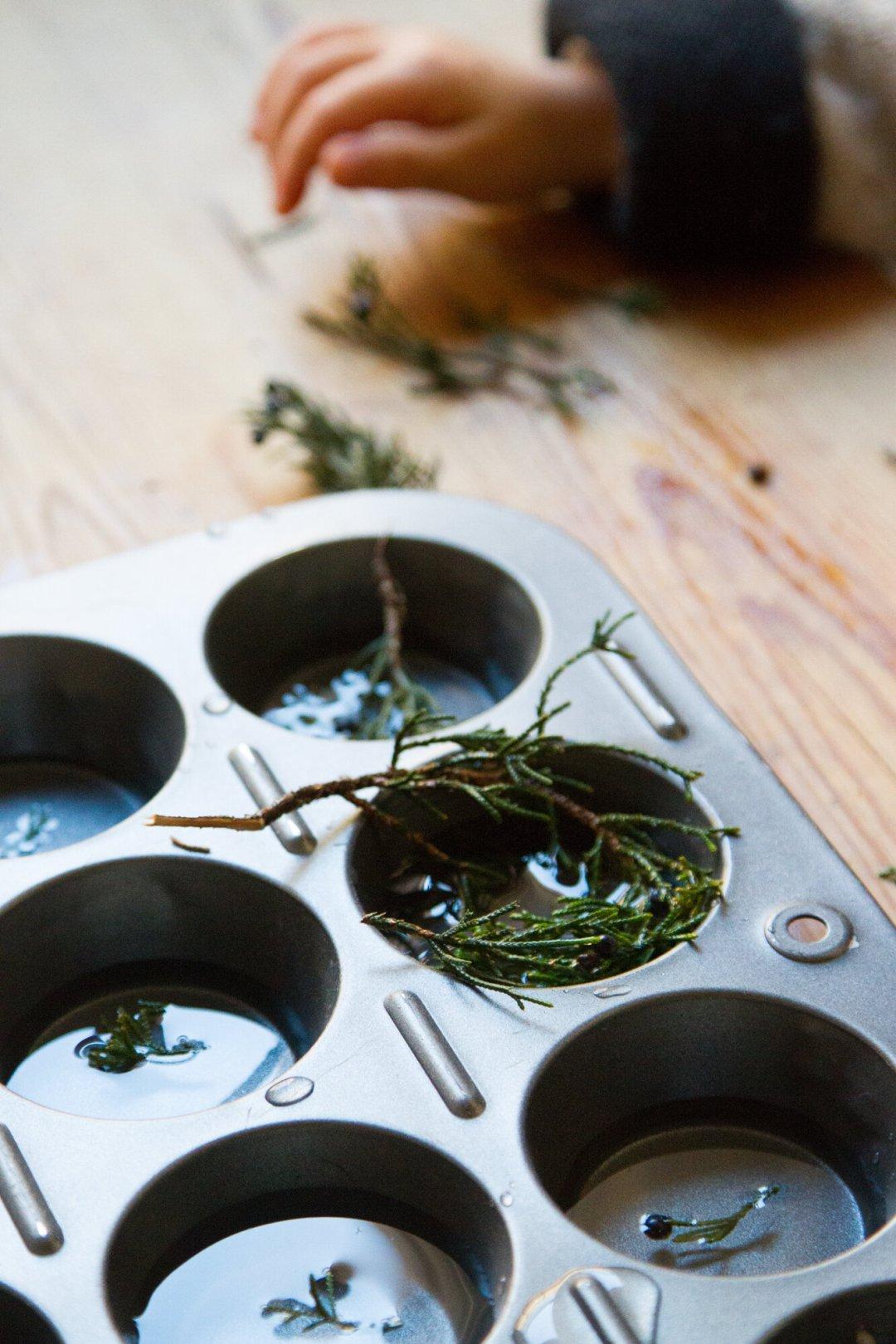 ice ornaments | reading my tea leaves