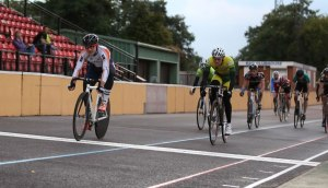 Josh Mitchell Wins the Senior B trackcycling 10 lap Scratch