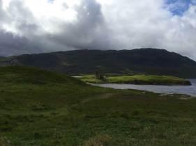 Loch Assynth mit Castle. Hier ist Schottland wieder lieblich.
