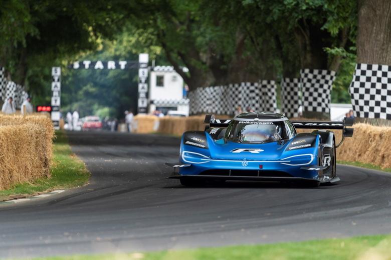 Электрический спорткар Volkswagen ID. R быстрее болида Formula 1