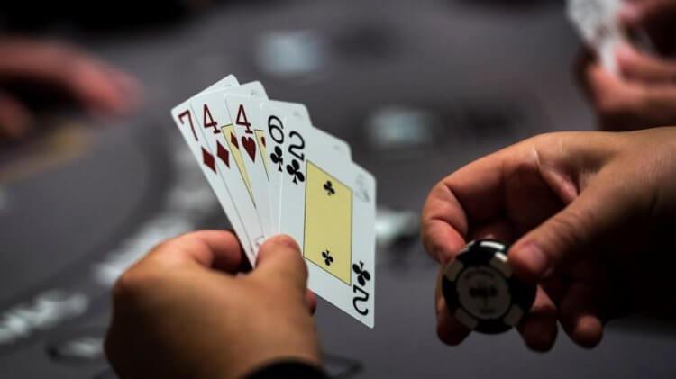 Искусственный интеллект обыграл человека в покер