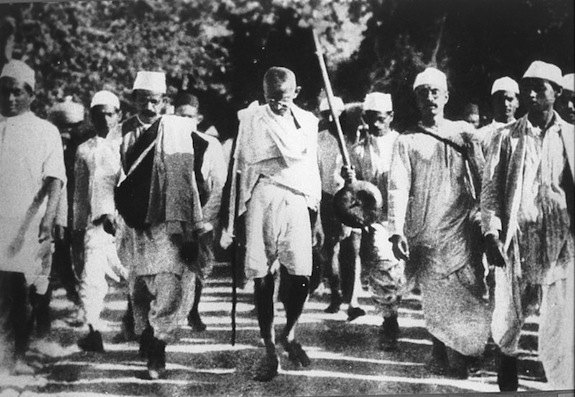 Gandhi during the Salt March, March 1930. Public Domain/Wikimedia Commons