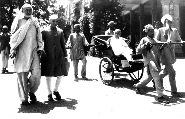 Abdul Ghaffar Khan on his way to an independence conference