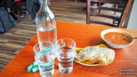 Obiad w przydrożnym barze, Islandia
