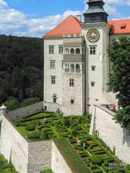 Ogród zamkowy, Zamek w Pieskowej Skale