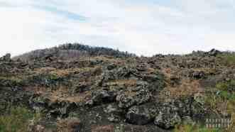 Lawa na zboczach Etny