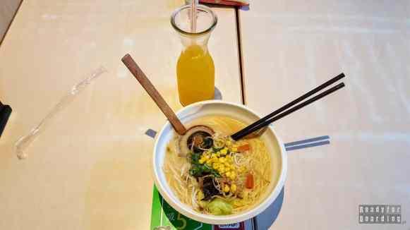 Obiad w okolicach Summer Palace w Pekinie, Chiny