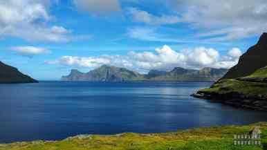 Widok na Kalsoy z Eysturoy - Wyspy Owcze