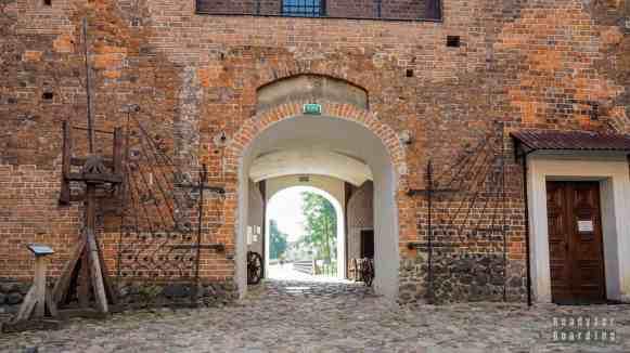 Dziedziniec zamku w Uniejowie