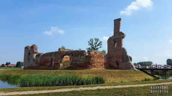 Zamek rycerski w Besiekierach, województwo łódzkie
