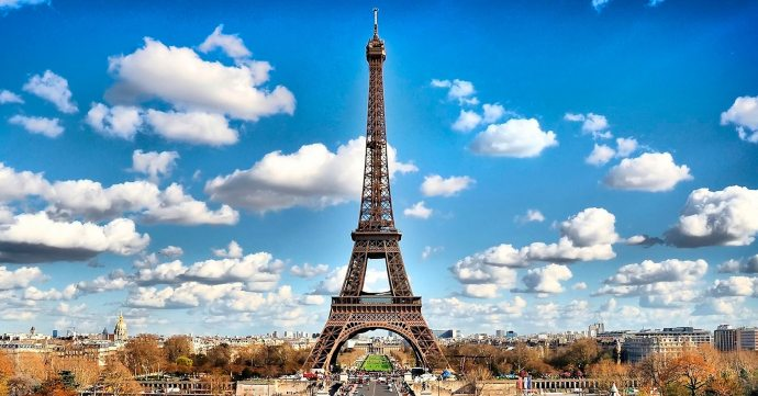 Eiffel Tower | 6 must-see locations in Paris | Ready To Go