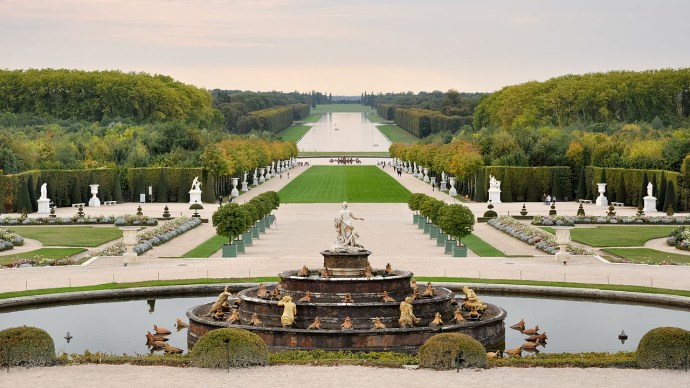 Palace of Versailles | 6 must-see locations in Paris | Ready To Go
