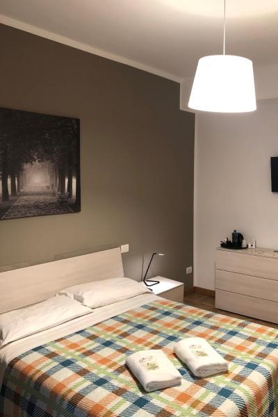 Guest House Brianza Room Stazione Centrale Milan Italy