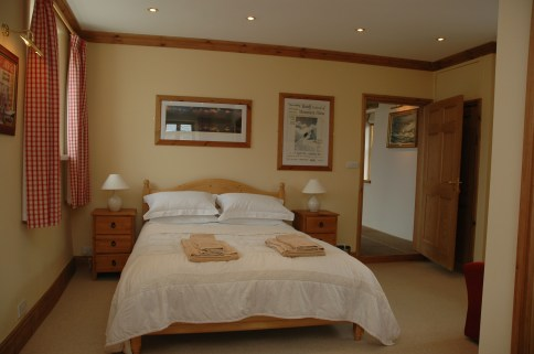 Ground floor en suite bedroom Yew Tree Farm Reagill