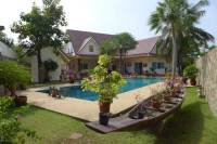 Huay Yai Beautiful Pool Villa Separate Guest house for Sale