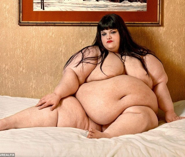 Naked Warning Artist Captures Full Beauty Of Super Sized Big Beautiful Women Real Fix
