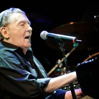 800px-Jerry_Lee_Lewis_@_Credicard_Hall_03