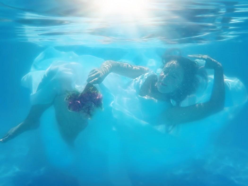 underwater-bride-905043_1280