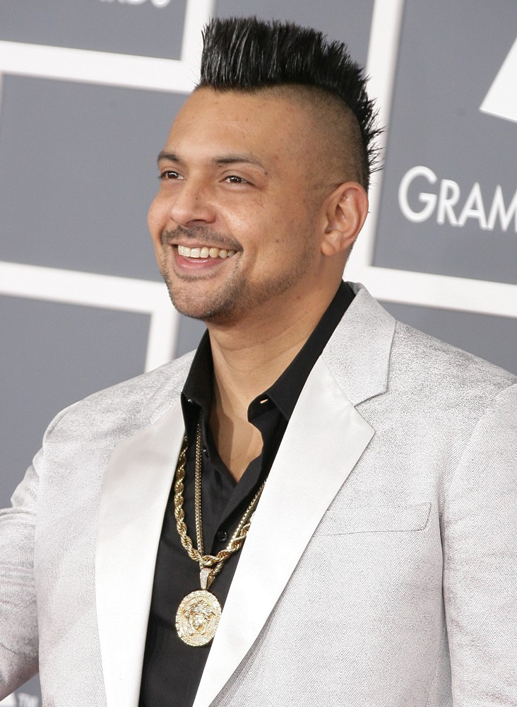 sean-paul-55th-annual-grammy-awards-03