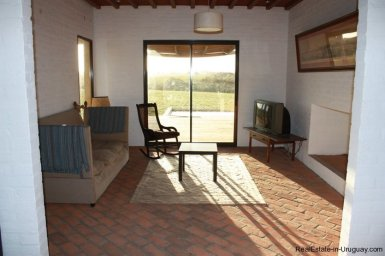 243-025-Small-Countryside-Farm-for-Rent
