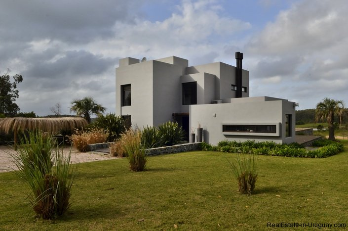 4307-Modern-Brand-New-Home-for-Rent-289