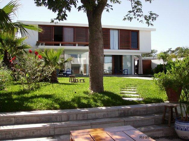 4557-Modern-Designer-House-361