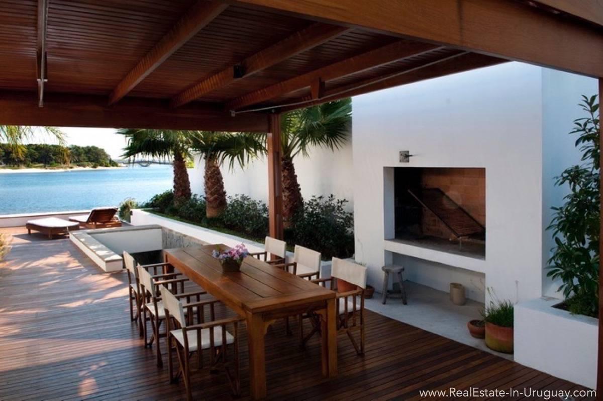 Modern Designer House - Parilla