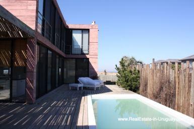 Modern Beach House in Punta Piedras