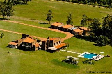4006-Cozy-Spectacular-Modern-Inn-in-El-Chorro-by-Punta-Piedras-87