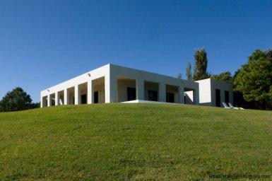 4021-Modern-Farmland-House-in-Laguna-del-Sauce-837
