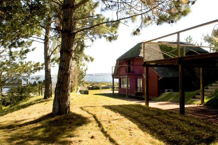 4021-Modern-Farmland-House-in-Laguna-del-Sauce-842