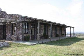 4252-Stone-House-with-Panoramic-Views-512