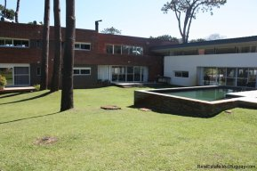 4327-Spectacular-Modern-Home-in-San-Rafael-708