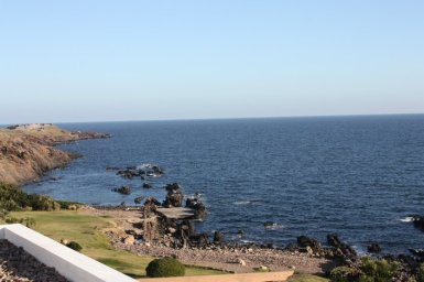 4518-Well-Built-Seafront-House-in-Punta-Ballena-848