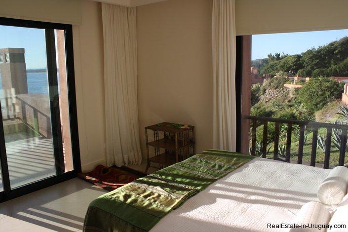 81-Modern-Sea-View-Duplex-Apartment-in-Punta-Ballena