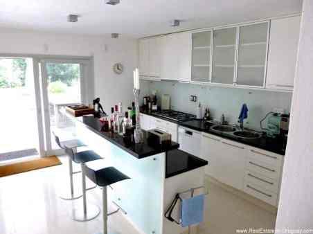 Astraia Kitchen2