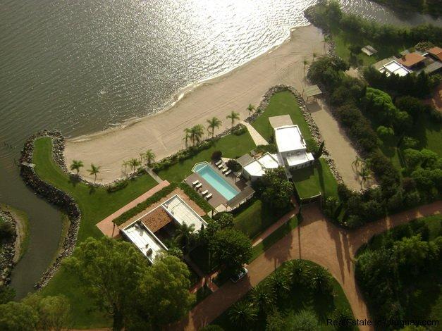 4075-one-of-a-kind-laguna-del-sauce-front-property-by-architect-horacio-ravazzani-1000