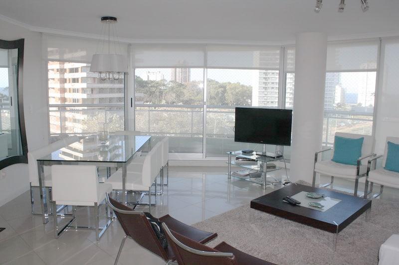 4510 Living Area2