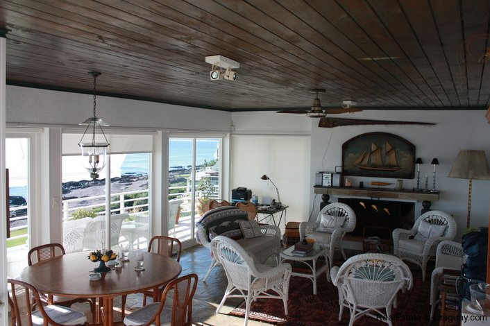 4815-Cliff-Top-Home-with-Stunning-Sea-Views-in-Punta-Ballena-1089