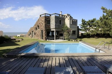 4834-Art-of-Design-with-the-Ocean-for-Rent-by-Architect-Ravazzani-in-Punta-Piedras-1150