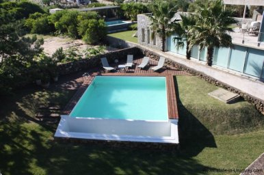 4834-Art-of-Design-with-the-Ocean-for-Rent-by-Architect-Ravazzani-in-Punta-Piedras-1151