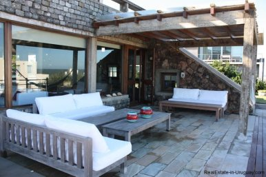 4834-Art-of-Design-with-the-Ocean-for-Rent-by-Architect-Ravazzani-in-Punta-Piedras-1152