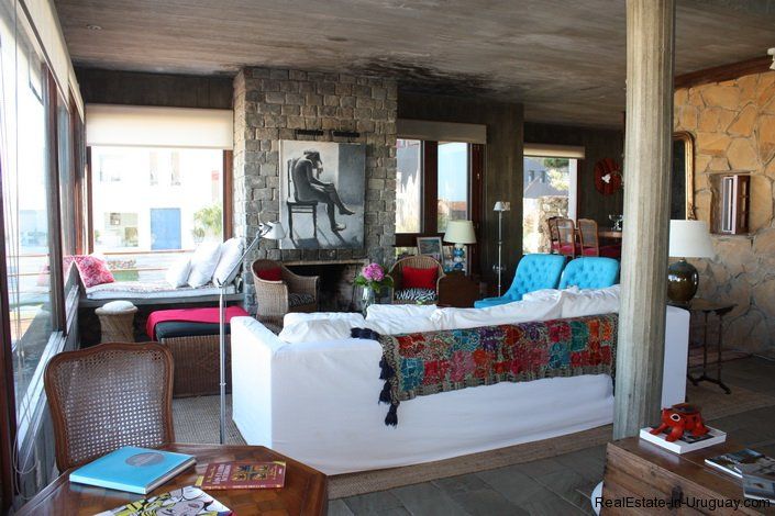 4834-Art-of-Design-with-the-Ocean-for-Rent-by-Architect-Ravazzani-in-Punta-Piedras-1153