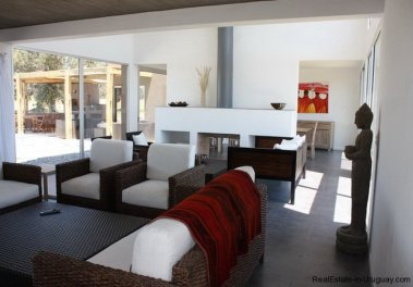 4382-Modern-Home-in-El-Quijotes-Natural-Surroundings-1402