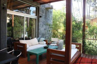 4453-Modern-Home-2-Blocks-from-Ocean-in-Montoya-1343