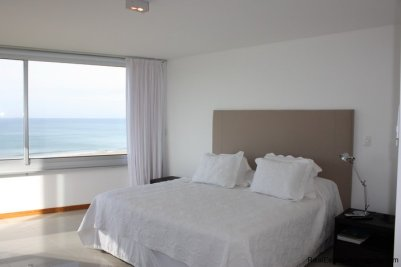 4541-Bright-and-Spacious-Seafront-Apartment-on-Playa-Brava-1818