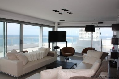 4543-Modern-Penthouse-with-360-Degree-Views-on-Playa-Brava-1975
