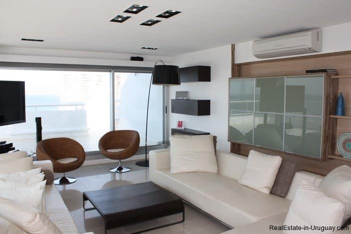 4543-Modern-Penthouse-with-360-Degree-Views-on-Playa-Brava-1977