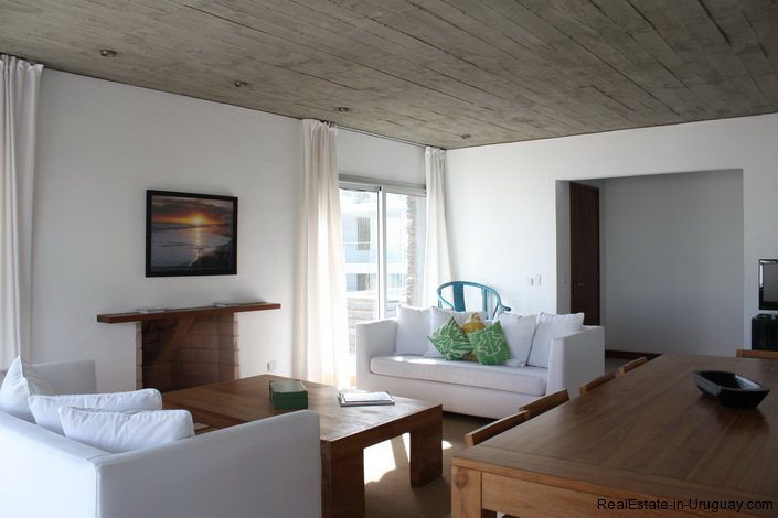 4596-A-Modern-Seafront-Apartment-in-Manantiales-1561