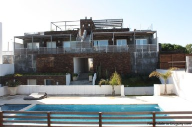 4596-A-Modern-Seafront-Apartment-in-Manantiales-1562